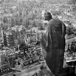 05-Dresden-1945, view from the city hall (Deutsche Fotothek‎)