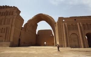11-Ctesiphon-Ṭāq-e Kesrā today
